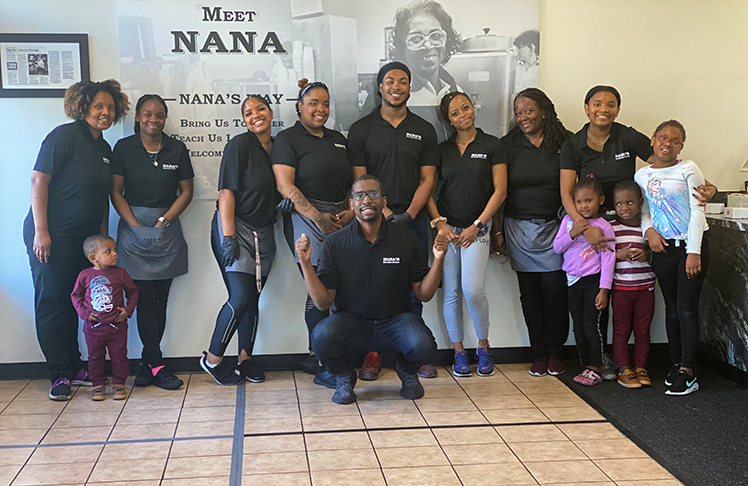 Nana's Southern Kitchen To Give Out 400 Free Meals To Customers On Christmas Day