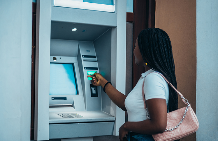 Keep Your Money In A Safe Place With These Banking Tips